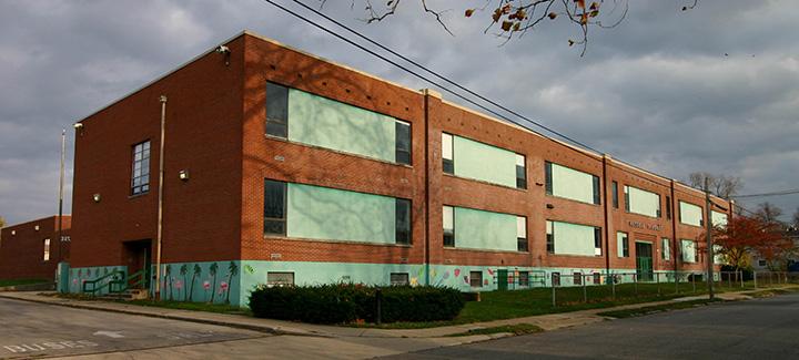 russel-school-apartments